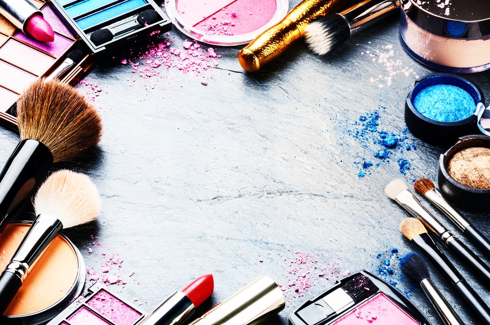California Passes Professional Cosmetics Labeling Law